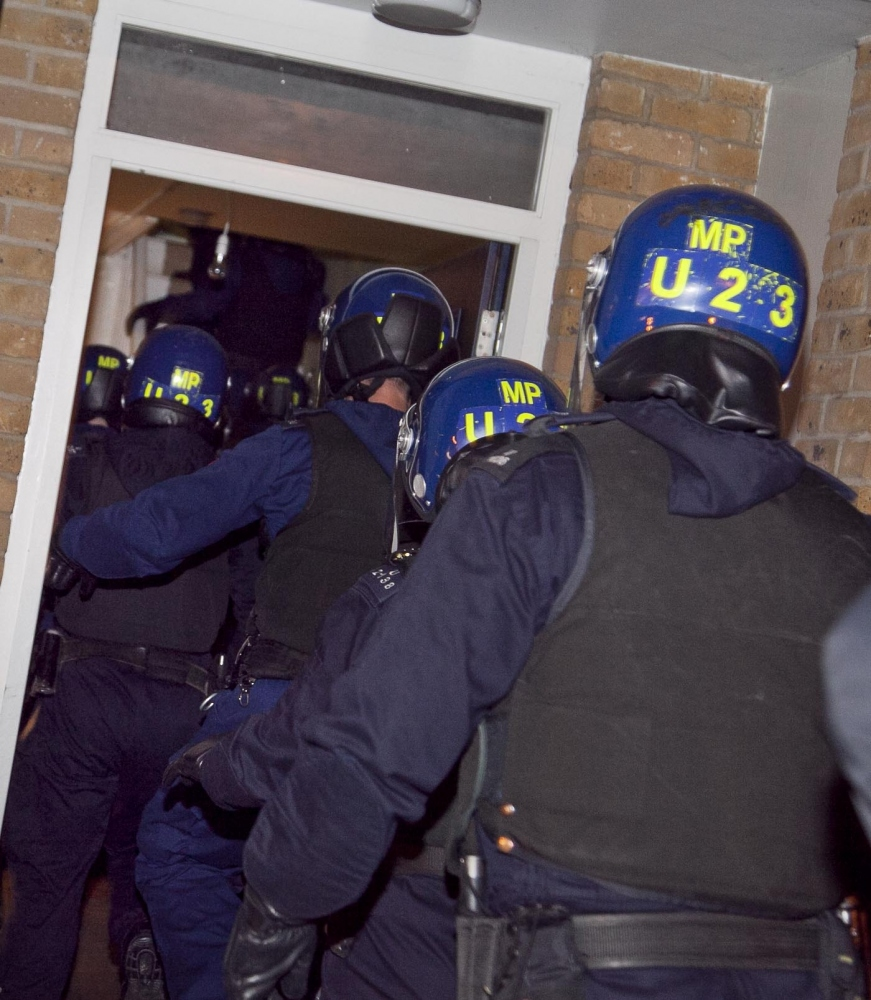Hackney police arrest sixteen in Hoxton gang raids
