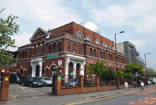 Shacklewell Mosque, which has been targeted by police raids Credit: Dr Neil Clifton